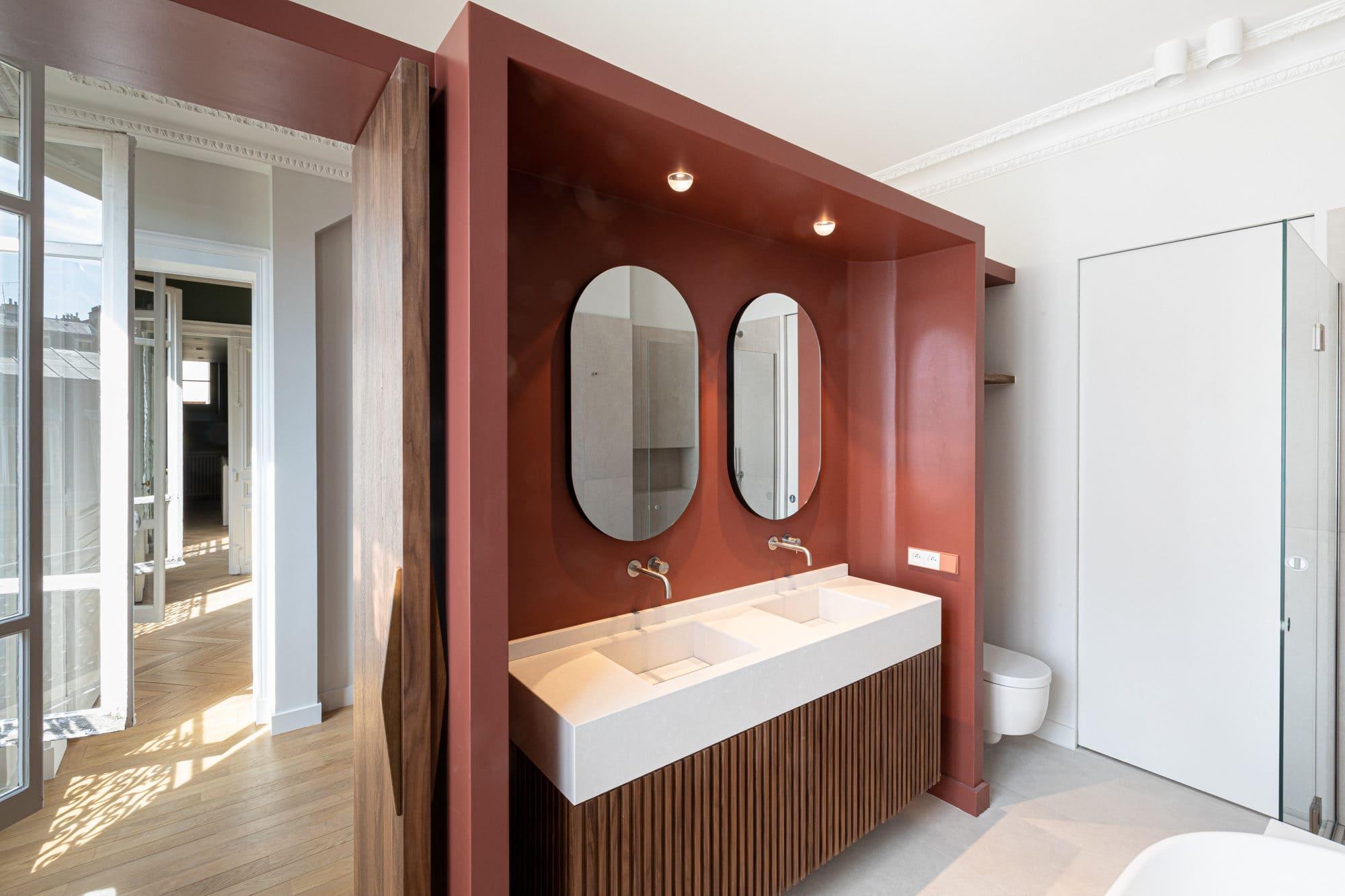 Mise en lumière d'une salle de bain haut de gamme